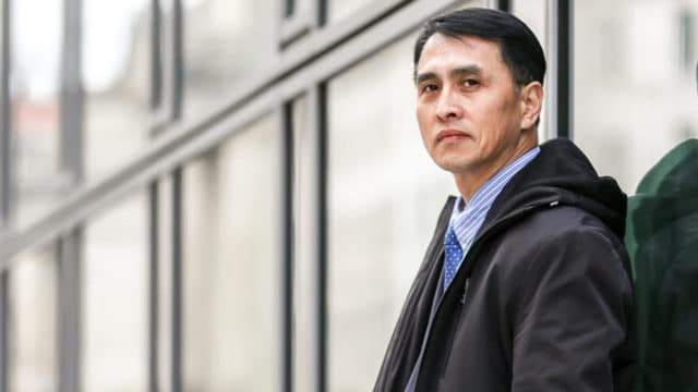 <b>真実を明かす事業:</b> 2019年2月19日、ワシントン在住の于溟(ユ・ミン)氏。米国政府の支援を受けて2019年1月に妻と娘と合流するために米国に到着した。法輪功を修めていたことを理由に中国で12年間投獄され、強制労働所では死に至る寸前まで拷問を受けた。